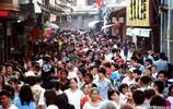 恰逢中秋、國慶長假,遊人如織,擁擠不堪