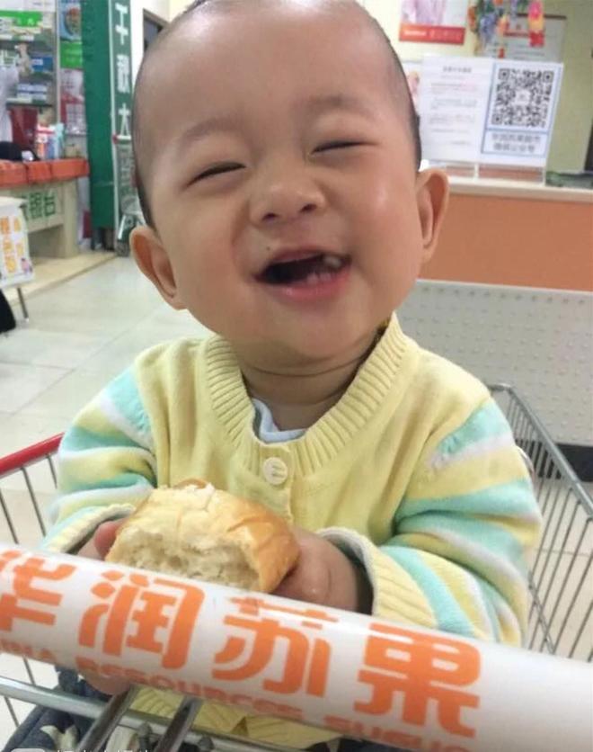 盤點寶寶吃麵包的樣子,最後一個寶寶真的好能吃啊