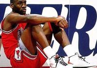NBA總決賽拿1000分有多難?科比僅937分,歷史只有2人做到嗎?