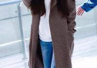 田馥甄真是大佬出街,帆布鞋穿出了恨天高的氣勢,舒服又時髦!