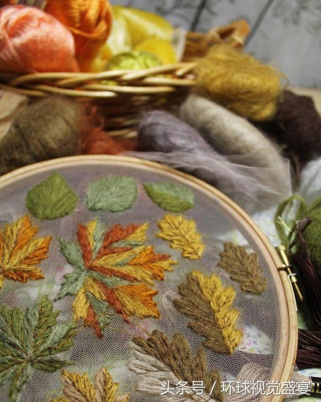 俄羅斯刺繡家用薄紗做底,秀出的圖案猶如浮空,師從中國