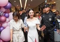 李若彤不服老!52歲的她穿白裙配紅鞋出眾又減齡,看臉嚇到網友