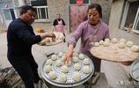 山西農村一中年大媽在北京打工時發現商機,辭職後回家創業發了財