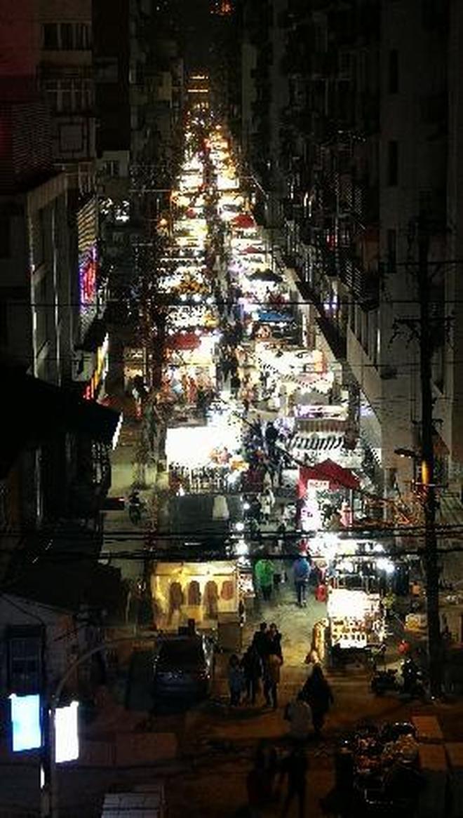 """武漢""""夜市之王""""在哪?帶你看熱鬧喧譁的漢口保成路夜市實拍"""