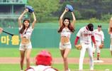 韓國棒球隊,棒球美女練習伸腿棒球