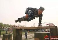 軍人丨超級酷!感受兵哥哥的軍營跑酷