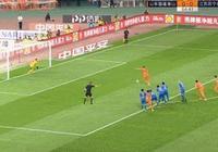 山東魯能與蘇寧的比賽中,佩萊倒在禁區,裁判果斷吹罰點球,你認為合理嗎?如何解析?