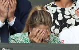 費納決有多緊張?看費德勒妻子米爾卡的表情就知道了