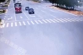 一組動圖警示你:每天看看圖,開車慢又慫