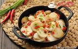 它是鹼性食物,比土豆軟糯比韭菜便宜,養顏潔齒烏髮,女人要多吃