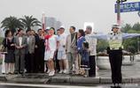 歷史照片:孔令輝和羅雪娟與上海公安拍攝交通安全公益宣傳片