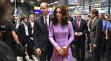凱特王妃穿著Emilia Wickstead淡紫色連衣裙跟威廉王子今天上午抵達漢堡