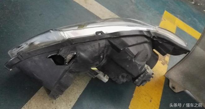 豐田花冠追尾標緻307 車主:速度也不快咋這麼嚴重 網友:吸能!