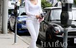 歐美名模貝拉·索恩出現在洛杉磯街頭,網友一看她頭髮都懂了