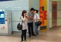 張丹峰夫婦出國過二人世界,46歲洪欣與36歲張丹峰配一臉!