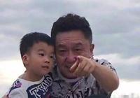 吳京4歲兒子拜于謙為師,給師父宣傳說錯名字太可愛了