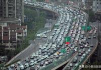 中國堵車最嚴重的2條高速公路,其中一條曾堵車持續20多天