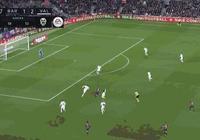 面對梅西無解的破門強勢扳平比分,巴倫西亞球員也是攤手無奈