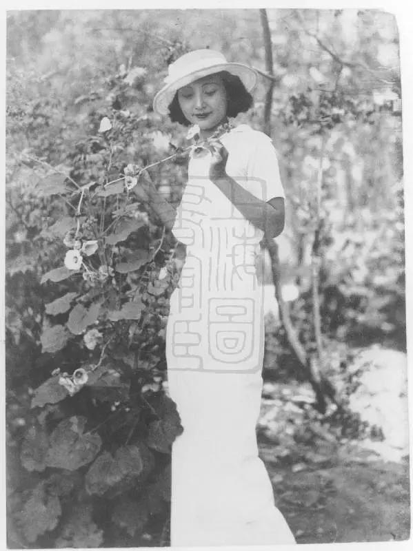 從姨太太到女明星,抗戰淪落站街,解放後成為工人,一生4次婚姻