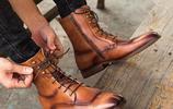 30+男士別穿土氣帆布鞋了,超火的純手工馬丁靴,讓你更添魅力
