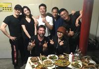 林峰大方帶女朋友與好友聚餐,網友卻將重點放在蔡一智身上