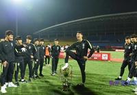 中國男足國家隊宣佈球員號碼,空出來的8號應該是給這個人留著的
