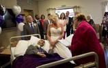男子癌症晚期彌留之際,女友不離不棄病床邊辦婚禮,真愛不懼別離