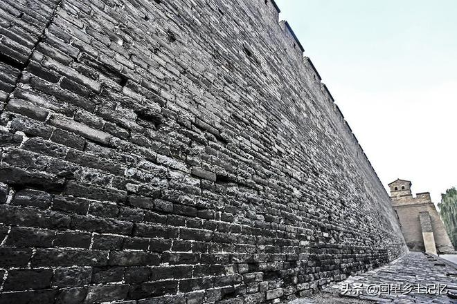 古城的年輪:平遙古城飽經滄桑的老城磚鐫刻著古城輝煌歷史