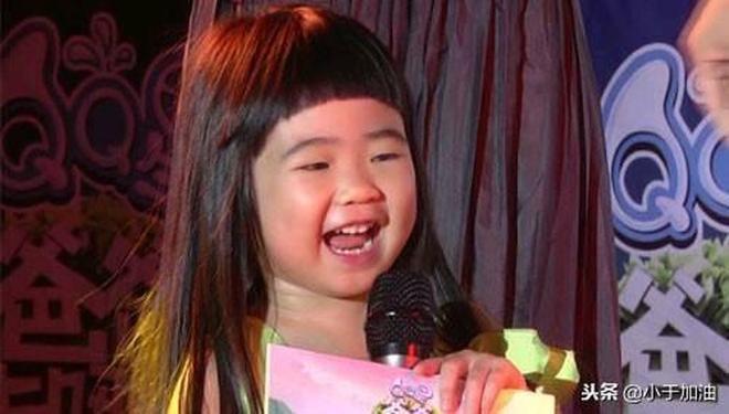 曾被網友吐槽長得醜,如今變成美少女,大家知道是誰嗎?