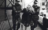 鏡頭下:超級名模被警察暴力執法