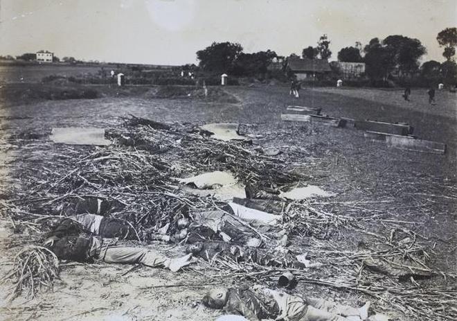 1911年漢口保衛戰罕見實照:袁世凱的戰艦,慘烈的戰後現場