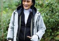 謝賢與前妻狄波拉一同出席活動,親密熱聊很開心,兩人手挽手合影