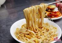 臺灣人也愛吃陽春麵?來看看高雄最火的陽春麵館!