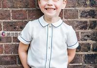 看英王室的5歲,女王從小就高貴,哈里變正太,查爾斯冬天也露腿