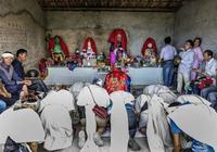 老人去世後為什麼要披麻戴孝?你知道農村披麻戴孝的來歷嗎?