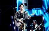 娛樂圈震撼的6場演唱會,只有他請14位保安僅有7個觀眾!