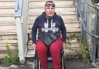 """男子裝殘疾12年騙得14萬歐元 度完假""""走""""下飛機後被捕"""