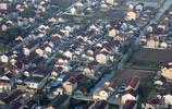 從飛機上俯瞰上海郊區,你能鑑別這是城市還是鄉村,想生活在這裡