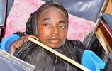 盆中生活尼日利亞少女
