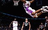 喜歡NBA的人,手機壁紙就是NBA