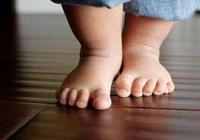 寶寶不愛走路總要抱,是因為父母沒做好,做好了寶寶愛上自己走路