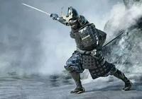 華麗的日本武士盔甲,頭盔上插倆大犄角真的不沉嗎?