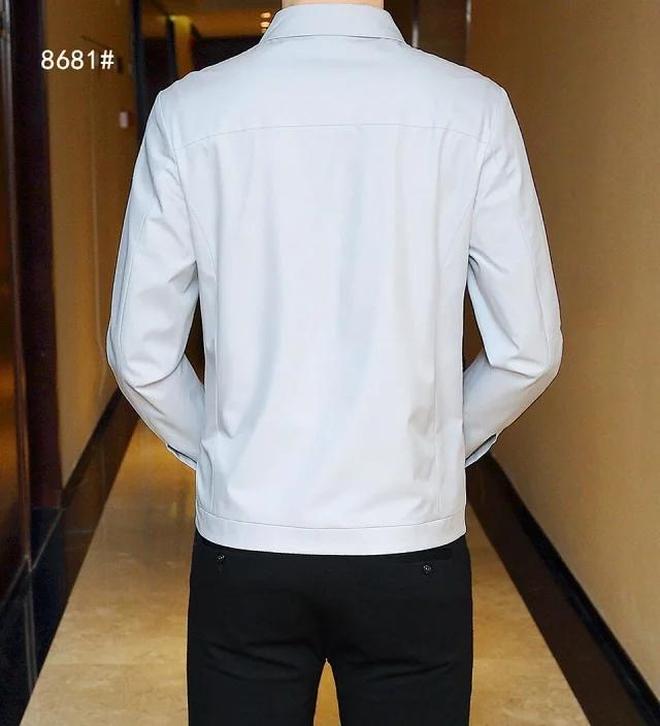 """男人過了40,衣服就不能穿的太隨便!這種阿瑪尼""""薄夾克""""特體面"""