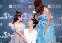 """黃奕7歲女兒長大如同""""開掛"""",一張""""超模臉""""美出了新高度"""