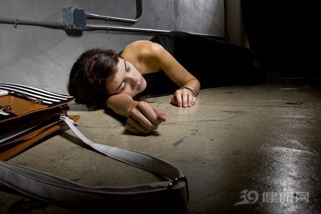 心慌不一定會猝死,這些症狀才是前兆!勸你早點知道