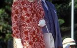 看完英國女王訪問國家時的穿著打扮,年輕時候的她時尚潮流