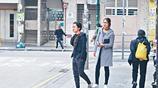 李亞男和婆婆逛街,一旁王祖藍樂開了花,網友:在考大家眼力嗎?