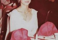 林青霞63歲離婚:和鄧麗君裸泳,跟三毛學跳舞,拍上百部電影,都沒她自己傳奇!