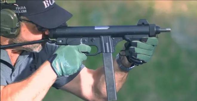 「輕武器欣賞」是世界上第一流新型衝鋒槍之一的伯萊塔M12S衝鋒槍