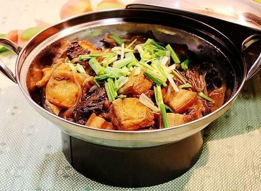 只要到了冬天,我家恨不得天天吃這個菜,一次就是一大鍋吃不夠!